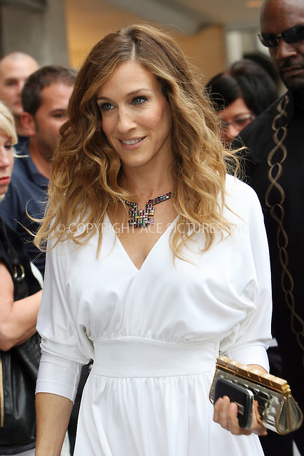 WWW.ACEPIXS.COM . . . . .  ....September 8 2009, New York City....Actress Sarah Jessica Parker on the Fifth Avenue set of the new 'Sex and the City' movie on September 8 2009 in New York City....Please byline: NANCY RIVERA- ACE PICTURES.... *** ***..Ace Pictures, Inc:  ..tel: (212) 243 8787 or (646) 769 0430..e-mail: info@acepixs.com..web: http://www.acepixs.com