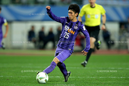 Yusuke Chajima (Sanfrecce), DECEMBER 16, 2015 - Football / Soccer : Yusuke Chajima of Sanfrecce Hiroshima runs with the ball during the 2015 FIFA Club World Cup semi-final match between Sanfrecce Hiroshima and River Plate at Nagai Stadium Osaka in Osaka, Japan (Photo by AFLO)