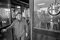 - uscita degli operai dallo stabilimento Alfa Romeo di Arese (1979)....- workers coming out from the Alfa Romeo factory in Arese (Milan,1979)....