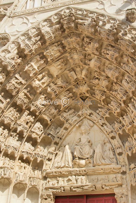 France, Yonne (89), Auxerre, façade de la cathédrale Saint-Etienne // France, Yonne, Auxerre, the Cathedral Saint-Etienne, western façade