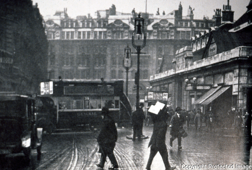 London: Liverpool St. looking west in 1923. Broad St. Station to right.  Reference only.