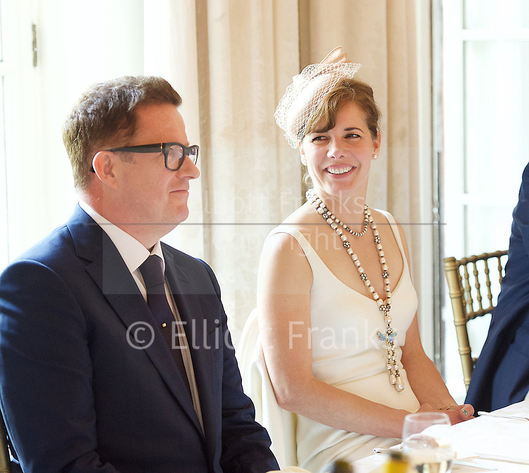 Today 24th June 2016, the President of the RAD, Darcey Bussell CBE, escorted Sir Matthew Bourne to Buckingham Palace to receive the Queen Elizabeth II Coronation (QEII) Award from Her Majesty The Queen.<br />