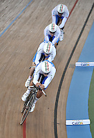 CALI – COLOMBIA – 26-02-2014: Elia Viviani, Liam Bertazzo, Marco Coledam y Paolo Simion equipo de Italia durante competencia de Persecucion por Equipos masculino en el Velodromo Alcides Nieto Patiño, sede del Campeonato Mundial UCI de Ciclismo Pista 2014. / Elia Viviani, Liam Bertazzo, Marco Coledam and Paolo Simion of the Italy team during the test of the Men´s Team Persuit at the Alcides Nieto Patiño Velodrome, home of the 2014 UCI Track Cycling World Championships. Photos: VizzorImage / Luis Ramirez / Staff.