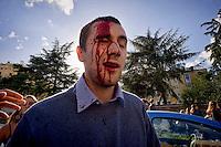 Roma 16 Ottobre 2015<br /> Un centinaio di studenti ha protestato in piazzale Aldo Moro, di fronte all&rsquo;Universit&agrave; La Sapienza, la sede del  Maker Faire 2015, la fiera dell&rsquo;innovazione europea organizzata all&rsquo;interno dell'universita. I manifestanti denunciano l&rsquo;uso privatistico di una struttura pubblica, l&rsquo;interruzione delle attivit&agrave; di ricerca e la non trasparenza sull&rsquo;uso dei ricavi. Un manifestante ferito dalla polizia durante le cariche.<br /> Rome 16 October 2015<br /> A hundred students protested in Piazzale Aldo Moro, opposite the University La Sapienza, the headquarters of the Maker Faire 2015, the European innovation fair organized within the university. Protesters denounce the  private use of a public facility, the interruption of research and lack of transparency on the use of revenues. A protester injured by police during the charged.