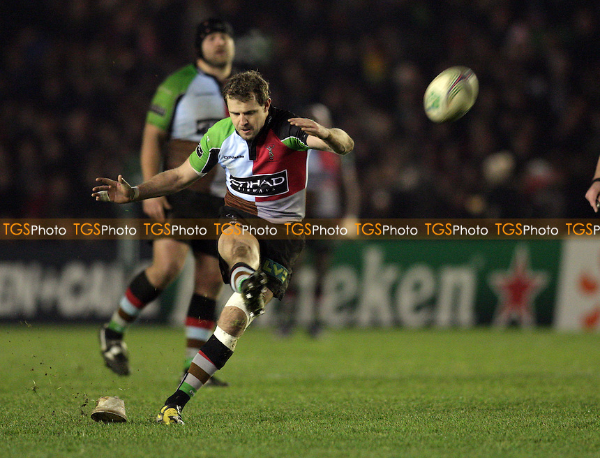 Nick Evans of Harlequins RFC takes a shot at goal - Harlequins RFC vs Gloucester RFC - Heineken Cup Pool 6 Rugby at the Twickenham Stoop - 14/01/12 - MANDATORY CREDIT: Helen Watson/TGSPHOTO - Self billing applies where appropriate - 0845 094 6026 - contact@tgsphoto.co.uk - NO UNPAID USE.