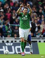 FUSSBALL   1. BUNDESLIGA   SAISON 2011/2012   34. SPIELTAG SV Werder Bremen - FC Schalke 04                       05.05.2012 Claudio Pizarro (SV Werder Bremen)  jubelt nach seinem Tor zum 1:1