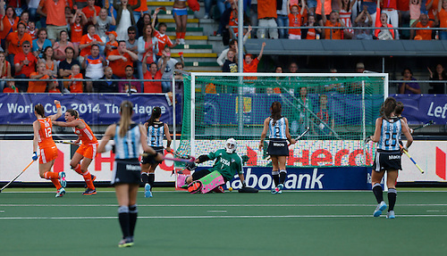 12.06.2014. The hague, Netherlands.  Kim Lammers Goal - Netherlands versus Argentina, semi-final Womens  Rabobank Hockey World Cup 2014. The game ended 4-0 with Netherlands making the final