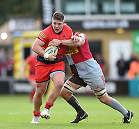 Ethan Waller of Worcester Warriors takes on the Harlequins defence. Aviva Premiership match, between Harlequins and Worcester Warriors on October 28, 2017 at the Twickenham Stoop in London, England. Photo by: Patrick Khachfe / JMP