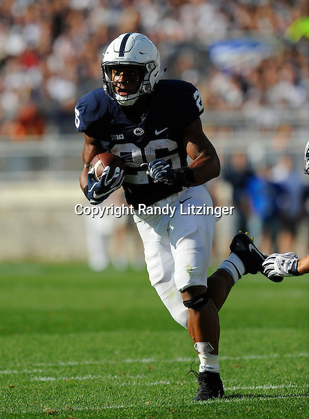 03 September 2016:  Penn State RB Saquon Barkley (26) runs up field. The Penn State Nittany Lions defeated the Kent State Golden Flashes 33-13 at Beaver Stadium in State College, PA. (Photo by Randy Litzinger/Icon Sportswire)