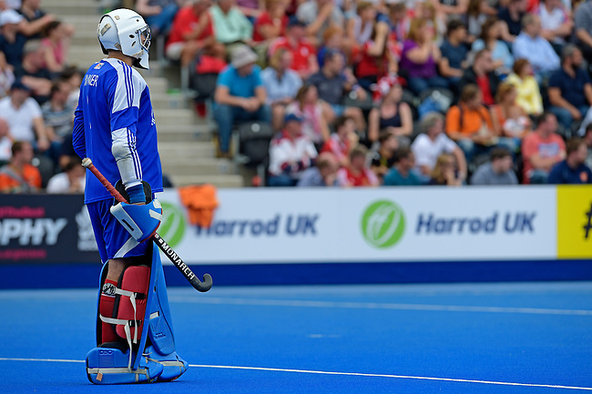 ENG - London, England, August 29: During the men bronze medal match between Ireland (green) and England (red) on August 29, 2015 at Lee Valley Hockey and Tennis Centre, Queen Elizabeth Olympic Park in London, England. Final score 4-2 (2-2). (Photo by Dirk Markgraf / www.265-images.com) *** Local caption *** David HARTE #1 of Ireland