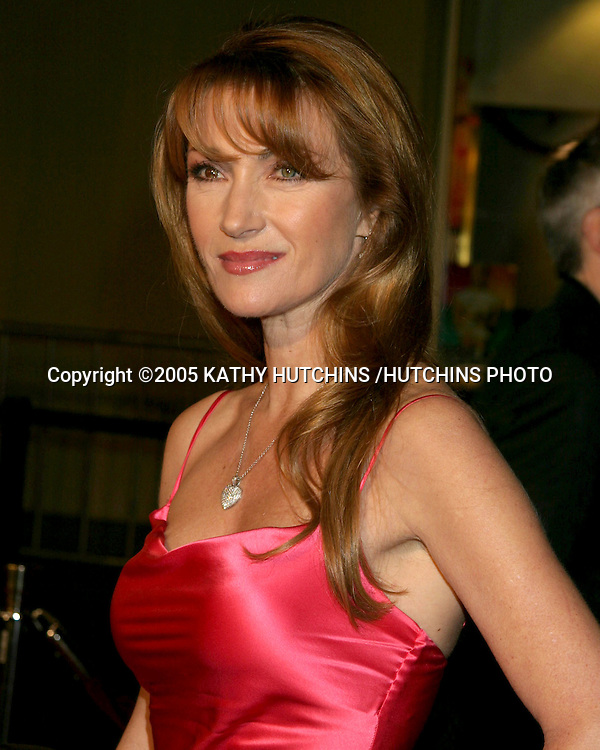 "JANE SEYMOUR.""BE COOL"" PREMIERE.GRAUMAN'S CHINESE THEATER.HOLLYWOOD, CA.FEBRUARY 14 , 2005.©2005 KATHY HUTCHINS /HUTCHINS PHOTO."