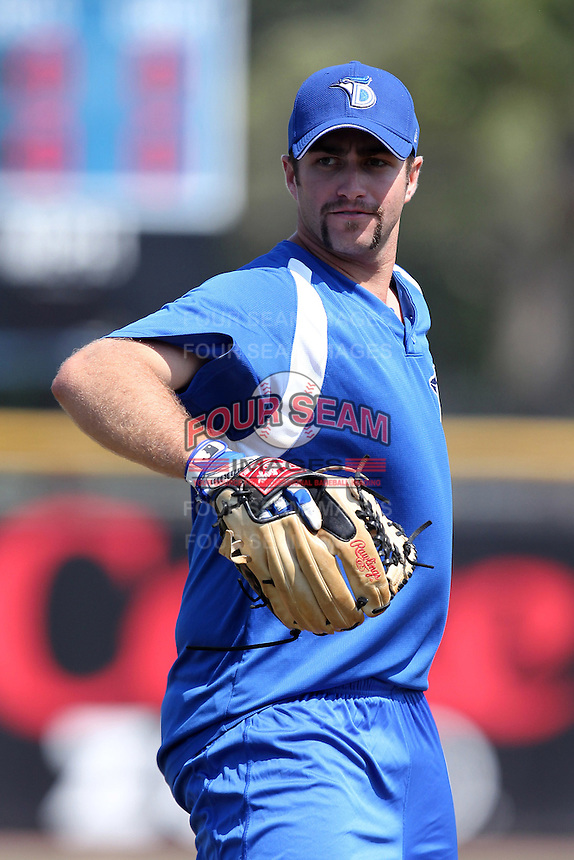 Dunedin Blue Jays pitcher Boomer Potts #17 during practice before a game against the Tampa Yankees at Dunedin Stadium on April 28, 2012 in Dunedin, Florida.  Dunedin defeated the Yankees 6-1.  (Mike Janes/Four Seam Images)