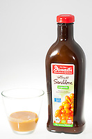 Sanddorn-Produkte, Produkte aus Sanddornfrüchten, Saft, Sanddornsaft, Sanddorn, Sand-Dorn, Küsten-Sanddorn, Frucht, Früchte, Hippophae rhamnoides, Products from buckthorn fruits, juice, Sea Buckthorn, Argousier, Saule épineux