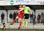2017-11-05 / voetbal / seizoen 2017-2018 / VC Herentals - Hoeilaart / een luchtduel tussen Davy Voorspoels (l) (VC Herentals) en Tom Taelemans (r) (Hoeilaart)