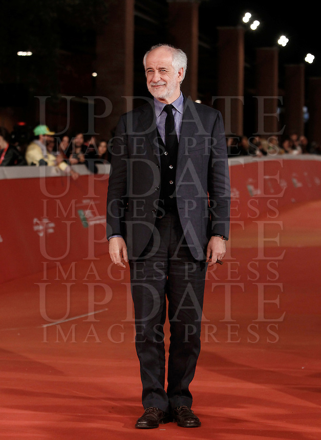 Italian actor Toni Servillo posa sul red carpet per la proiezione del film 'La Grande Bellezza' al Festival Internazionale del Film di Roma, 24 ottobre 2015 .<br /> Italian actor Toni Servillo poses on the red carpet for the screening of the movie 'La Grande Bellezza' ('The Great Beauty') during the International Rome Film Festival at Rome's Auditorium, 24 October 2015 .<br /> UPDATE IMAGES PRESS/Isabella Bonotto