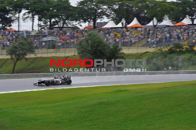 22-24.11.2013, Autodromo Jose Carlos Pace, Sao Paulo, BRA, F1, Grosser Preis von Brasilien, im Bild Nico Huelkenberg (GER), Sauber F1 Team <br />  Foto &copy; nph / Mathis