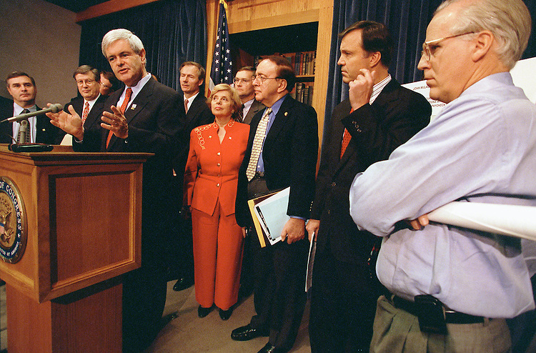 11/13/97.CAMPAIGN FINANCE REFORM--House Speaker Newt Gingrich, R-Ga., at podium, Christopher Shays, R-Conn., far right, Chris Cox, R-Calif., next to Shays, and other House Republicans at a news conference on campaign finance reform..CONGRESSIONAL QUARTERLY PHOTO BY SCOTT J. FERRELL