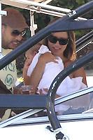 MAY 22 2013<br /> AARON DIAZ Y LOLA PONCE JUNTO A SU PRECIOSA BEBE ERIN EN UN DIA DE BARCO POR LA BAHIA<br /> Exclusive<br /> Mandatory Credit: MRPIXX.COM<br /> <br /> Ref: MR_FN