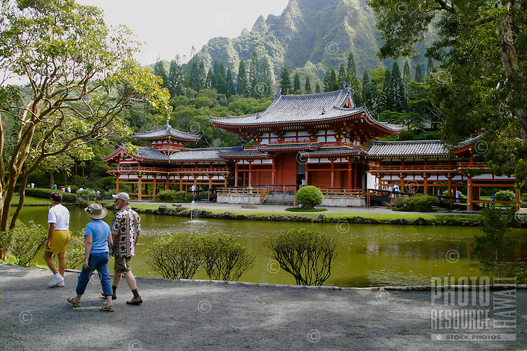 Beautiful Byodo-in Temple. An exact replica of the 900 year old Byodo-in Temple at Uji,japan. Located in the Valley of the Temples, Windward Oahu near the town of Kaneohe.