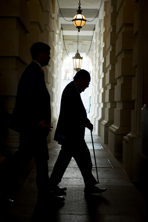 UNITED STATES - AUGUST 02:  Sen. Daniel Inouye, D-Hawaii, makes his way into the Capitol after the Senate passed a deal to raise the nation's debt limit and reduce the deficit.  (Photo By Tom Williams/Roll Call)