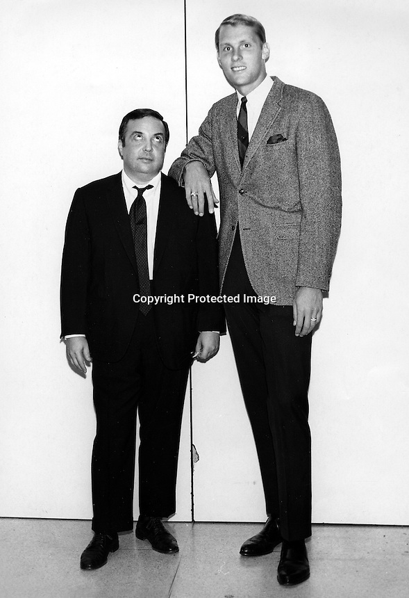 Oakland Oaks basketball star Rick Barry along side comedian Allan Sherman. (1967 photo by Ron Riesterer)
