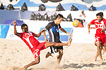 AL SINANI Jalal Khamis Rebee'a of Oman competes for the ball with OBA Takaaki of Japan during the Beach Soccer Men's Team Gold Medal Match between Japan and Oman on Day Nine of the 5th Asian Beach Games 2016 at Bien Dong Park on 02 October 2016, in Danang, Vietnam. Photo by Marcio Machado / Power Sport Images