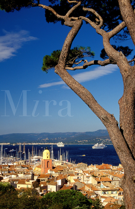St. Tropez village, harbour/harbor and bay from the Citadel.  Cote d'Azur. France..