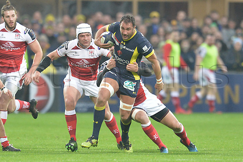 18.12.2016. Stade Marcel Michelin, Clermont-Ferrand, France. European Champions Cup Rugby. Clermont Auvergne versus Ulster.  Alexandre Lapandry (asm) run is wrapped up by Ulster