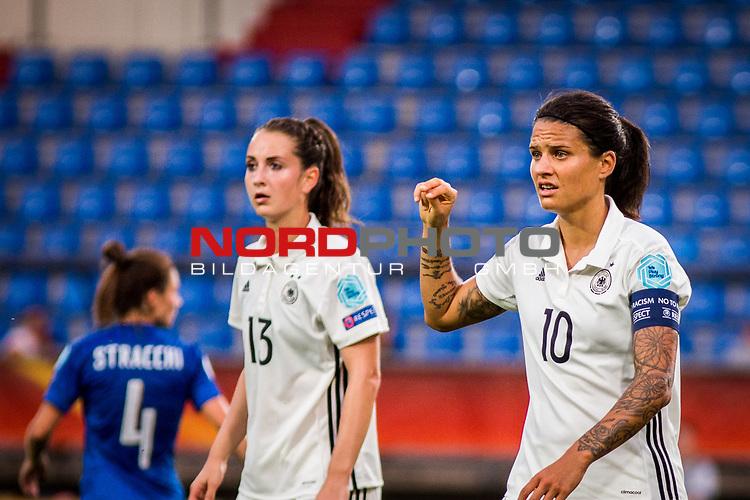 21.07.2017, Koenig Willem II Stadion , Tilburg, NLD, Tilburg, UEFA Women's Euro 2017, Deutschland (GER) vs Italien (ITA), <br /> <br /> im Bild | picture shows<br /> Dzsenifer Marozsan (Deutschland #10) | (Germany #10) gibt Anweisungen, <br /> <br /> Foto © nordphoto / Rauch