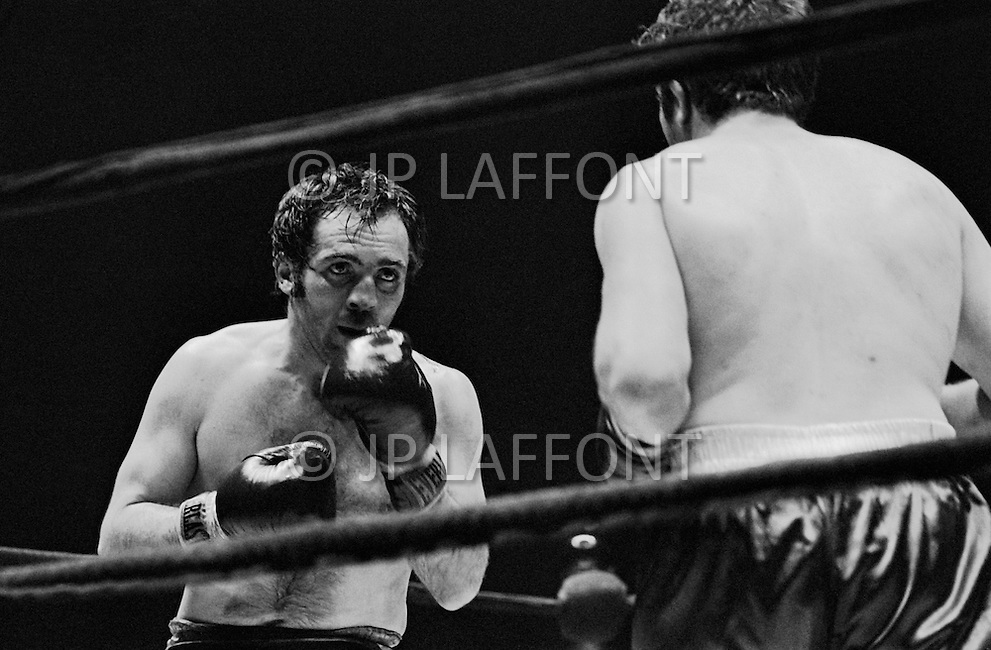 11 May 1970, Manhattan, New York City, New York State, USA. Marcel Cerdan Jr. (L) and Donato Paduano fighting at Madison Square Garden. Paduano defeated Cerdan Jr. Image by © JP Laffont