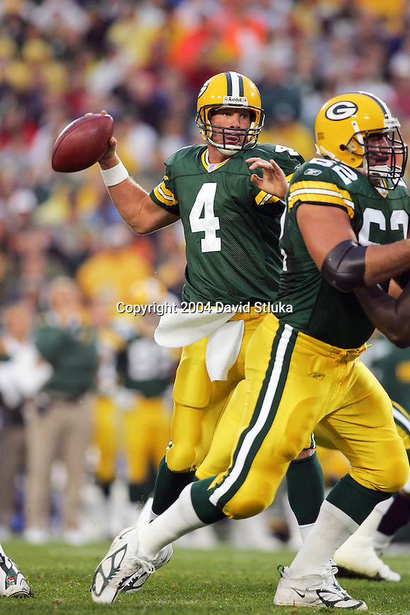 Green Bay Packers quarterback Brett Favre (4) during an NFL preseason football game against the Seattle Seahawks at Lambeau Field on August 16, 2004 in Green Bay, Wisconsin. The Seahawks beat the Packers 21-3. (Photo by David Stluka)
