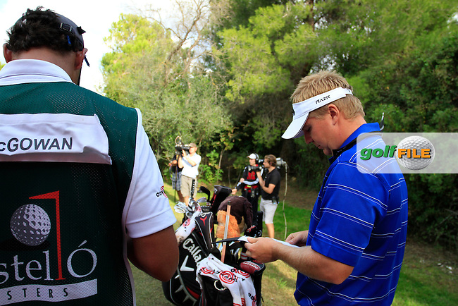 Ross McGowan (ENG) waits to tee off on the par3 16th tee during Saturday's Round 3 of the Castello Masters at the Club de Campo del Mediterraneo, Castellon, Spain, 22nd October 2011 (Photo Eoin Clarke/www.golffile.ie)