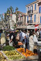 Europe/Provence-Alpes-Côte d'Azur/83/Var/Saint-Tropez: Détail  fruits et légumes  sur le marché de la Place des Lice