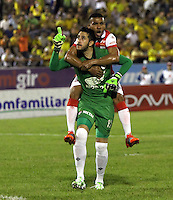NEIVA -HUILA -COLOMBIA, 22-NOVIEMBRE-2014.de Independiente SantaCamilo Vargas  Fe celebra su gol contra  el Atletico Huila  durante partido por los cuadrangulares semifinales 3 fecha  de la Liga Postobón 2014-II , jugado en el estadio Guillermo Plazas Alcid de la ciudad de Neiva./Camilo Vargas   of Independiente Santa Fe  celebrates his goal agaisnt of Atletico Huila during the semifinal  match runs 3th date Postobón II League 2014 played at Guillermo Plazas Alcid stadium in Neiva city.Photo / VizzorImage / Felipe Caicedo  / Staff