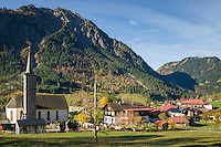 Germany, Bavaria, Swabia, Upper Allgaeu, resort Bad Hindelang, district Hinterstein at Ostrach Valley: with parish church St. Antonius and Breitenberg mountain (1.887 m) | Deutschland, Bayern, Schwaben, Oberallgaeu, Bad Hindelang, Ortsteil Hinterstein im Ostrachtal: mit Pfarrkirche St. Antonius vorm Breitenberg (1.887 m)