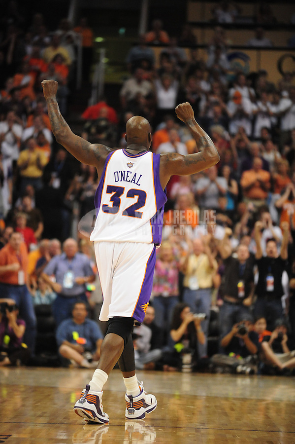 Mar. 22, 2008; Phoenix, AZ, USA; Phoenix Suns center (32) Shaquille O'Neal against the Houston Rockets at the US Airways Center. Mandatory Credit: Mark J. Rebilas
