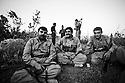 Iraq 2010 .Young Iranian recruits of Komala with an instructor .Irak 210 .Nouvelles recrues du Komala avec leur instructeur
