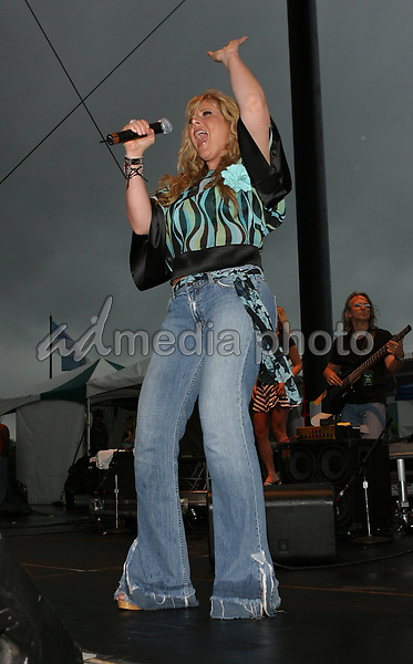 June 12th, 2004:  Nashville, TN, USA: CMA Music Festival Convention RiverFront Stages Day 3.  Jamie O'Neal Performs.  Mandatory Photo Credit:  Ferguson/Admedia (c) Kevin Ferguson/2004
