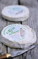 Europe/France/Auvergne/12/Aveyron/Env. de Laguiole: L'écir - Fromage fermier de vache Aubrac