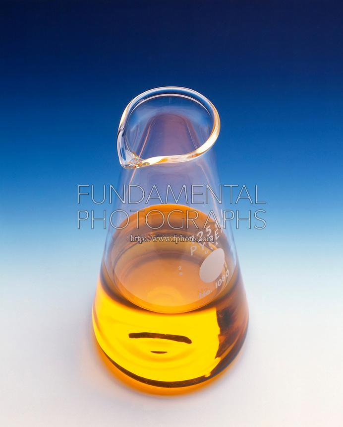 REACTION OF ETHANOL &amp; POTASSIUM DICHROMATE (1 of 6)<br /> Fleaker of 1M Potassium Dichromate Solution<br /> Aqueous Potassium Dichromate (K2Cr2O7) is a yellow solution.