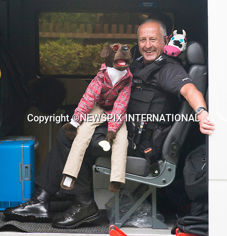 22.06.2017; Ascot, UK: ARMED POLICE AND PUPPET<br /> entertain crowds lining route to watch the royal procession to Ascot Racecourse.<br /> Mandatory Credit Photo: &copy;Dias/NEWSPIX INTERNATIONAL<br /> <br /> IMMEDIATE CONFIRMATION OF USAGE REQUIRED:<br /> Newspix International, 31 Chinnery Hill, Bishop's Stortford, ENGLAND CM23 3PS<br /> Tel:+441279 324672  ; Fax: +441279656877<br /> Mobile:  07775681153<br /> e-mail: info@newspixinternational.co.uk<br /> Usage Implies Acceptance of OUr Terms &amp; Conditions<br /> Please refer to usage terms. All Fees Payable To Newspix International