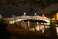 The Ha'Penny bridge at night, Dublin