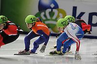SCHAATSEN: DORDRECHT: Sportboulevard, Korean Air ISU World Cup Finale, 10-02-2012, Rianne de Vries NED (149), Valerie Maltais CAN (105), ©foto: Martin de Jong