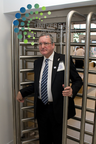 .A legal ban on mobile phones in Scottish jails comes into force today, helping staff and police to tackle the trade in illicit drugs both inside and outwith prisons, the Minister for Community Safety said.Fergus Ewing confirmed the new offence was now in place during a visit to HM Prison Edinburgh, where he viewed a range of security and screening measures, including the 'walk-through' metal detectors in the new entrance area. Edinburgh 11/12/08.All pictures must be credited to www.universalnewsandsport.com.(0ffice) 0844 884 51 22