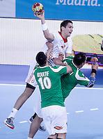 Algeria's Saci Boultif (l) and Hichem Boudrali (r) and Croatia's Stipe Mandalinic during 23rd Men's Handball World Championship preliminary round match.January 14,2013. (ALTERPHOTOS/Acero) 7NortePhoto