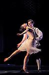 LE PARC....Choregraphie : PRELJOCAJ Angelin..Compositeur : MOZART Wolfgang Amadeus..Compagnie : Ballet National de L Opera de Paris..Orchestre : Orchestre Colonne..Decor : LEPROUST Thierry..Lumiere : CHATELET Jacques..Costumes : PIERRE Herve..Avec :..COZETTE Emilie..LE RICHE Nicolas..Lieu : Opera Garnier..Ville : Paris..Le : 04 03 2009..© Laurent PAILLIER / www.photosdedanse.com..All rights reserved