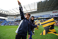 Wasps supporters in the guard of honour. Heineken Champions Cup match, between Wasps and Bath Rugby on October 20, 2018 at the Ricoh Arena in Coventry, England. Photo by: Patrick Khachfe / Onside Images
