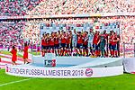 12.05.2018, Allianz Arena, Muenchen, GER, 1.FBL,  FC Bayern Muenchen vs. VfB Stuttgart, im Bild Deutscher Meister FC Bayern mit Thomas Mueller (FCB #25) <br /> <br />  Foto &copy; nordphoto / Straubmeier