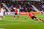 Kim Jinsu of South Korea (R) attempts a header for scores his goal during the AFC Asian Cup UAE 2019 Round of 16 match between South Korea (KOR) and Bahrain (BHR) at Rashid Stadium on 22 January 2019 in Dubai, United Arab Emirates. Photo by Marcio Rodrigo Machado / Power Sport Images