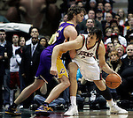 BRADLEY CENTER MILWAUKEE USA 16.12.2009.MECZ LIGI NBA MILWAUKEE BUCKS - LOS ANGELES LAKERS 106:107. LAKERS WYGRALI DZIEKI RZUTOWI BRYANTA W OSTATNIEJ SEKUNDZIE MECZU.N Z PAU GASOL LOS ANGELES LAKERS I ANDREW BOGUT MILWAUKEE BUCKS.KAMIL KRZACZYNSKI / NEWSPIX.PL..PAU GASOL LOS ANGELES LAKERS AGAINST ANDREW BOGUT MILWAUKEE BUCKS